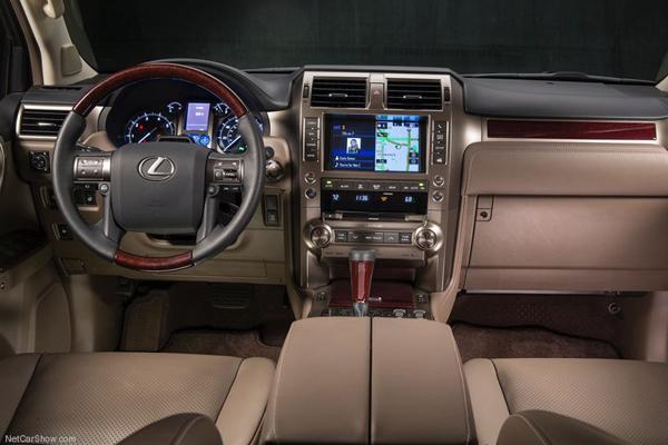 Lexus GX салон фото