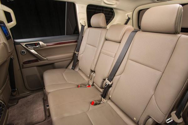 Lexus GX фото салона