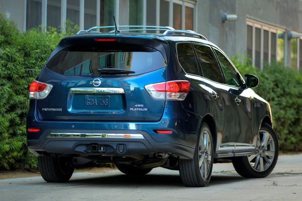 Nissan Pathfinder фото