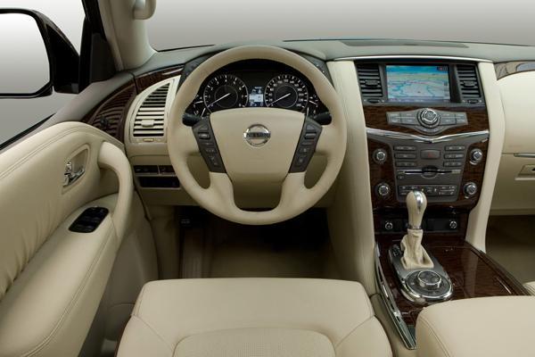Nissan Patrol салон фото