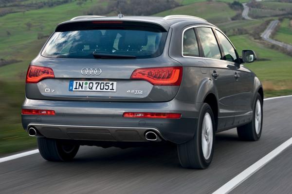 Audi Q7 фото