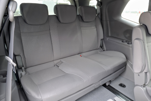 SsangYong Stavic фото салона