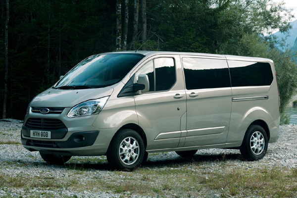 Ford Tourneo микроавтобус фото