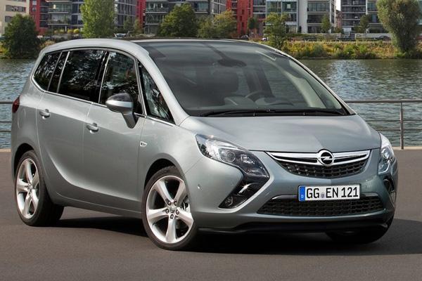 Opel Zafira Tourer  2011 фото