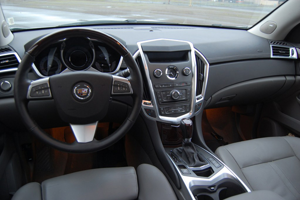 Cadillac SRX салон фото